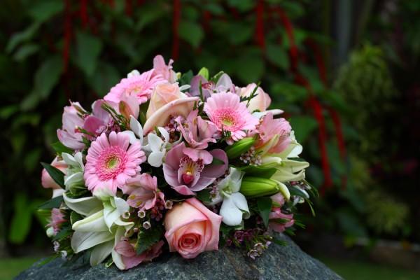 Flawless Wedding Flower Arrangement